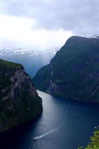 Beautiful Geiranger Fjord in Norway Journal: 150 Page Lined Notebook/Diary