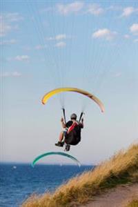 Paragliding by the Ocean Extreme Sports Journal: 150 Page Lined Notebook/Diary