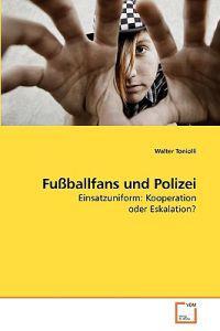 Fussballfans Und Polizei